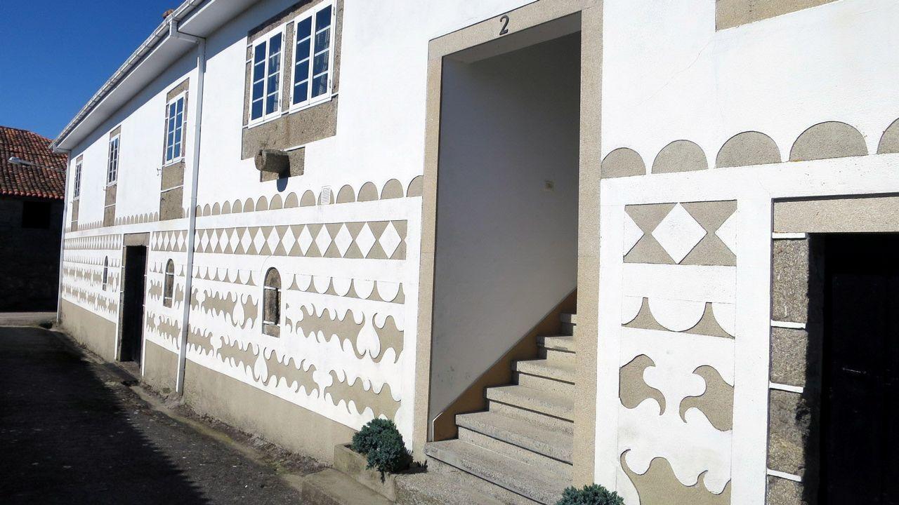 Diseños en buen estado en una casa de Sobrecedo de Arriba