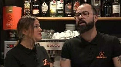 Naya y Manuel, de Bajo 5 café teatro