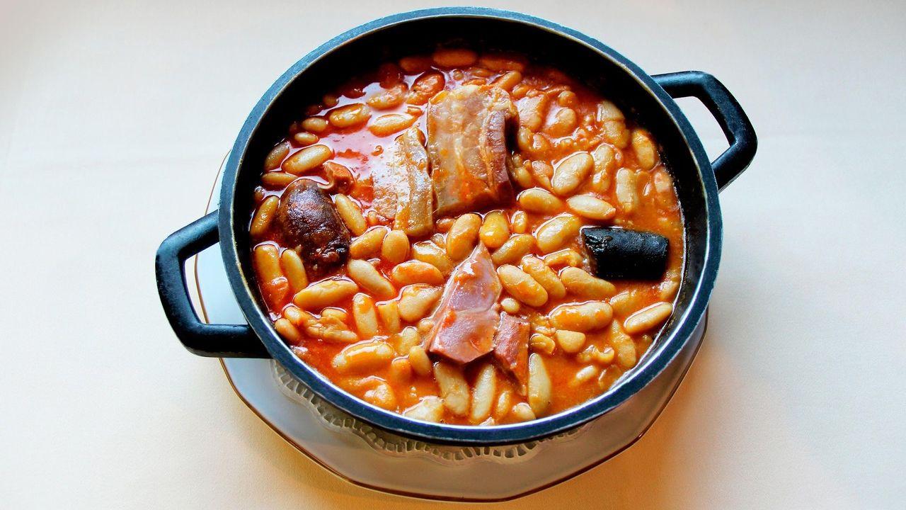 El nuevo anuncio de Armani grabado en Asturias.Un plato de fabada