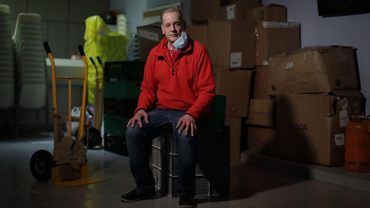 pet.Santiago Iglesias vive en un piso de Renacer mientras no encuentra empleo