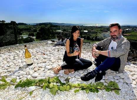 Iván Ferreiro y Cristina Pato participaron ayer en la presentación del máster en Cambados.