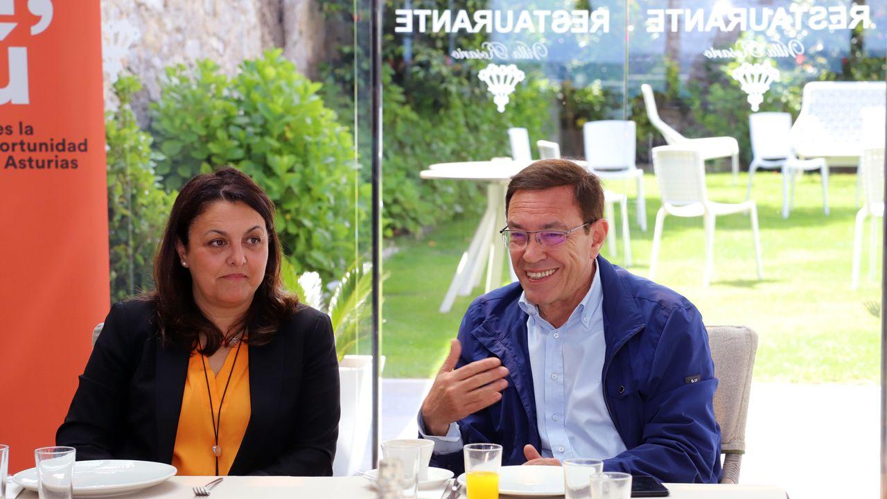Juan Vázquez y Rosario Fernández, en Ribadesella