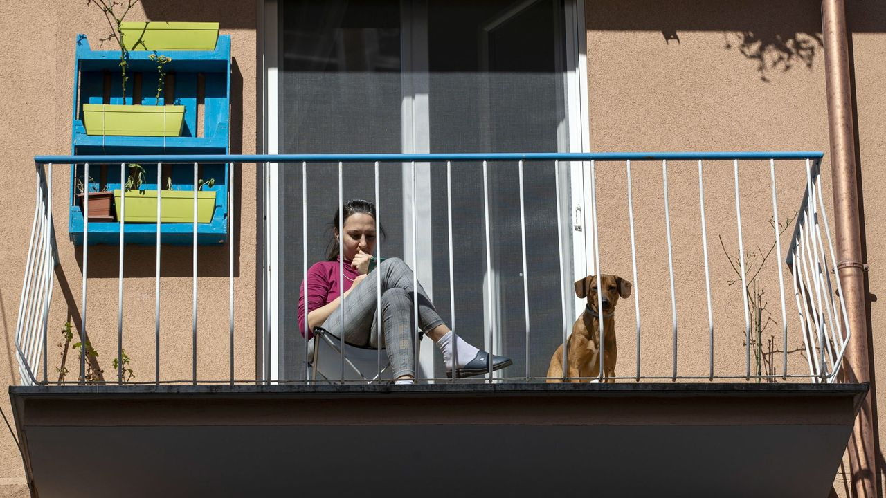Foto de archivo de solicitantes de asilo en Madrid