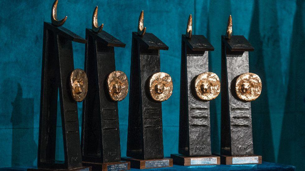 Mijail Gorbachov con el premio Príncipe de Asturias de Cooperación internacional de 1994, ante Pedro de Silva y Antonio Masip.Mijail Gorbachov con el premio Príncipe de Asturias de Cooperación internacional de 1994, ante Pedro de Silva y Antonio Masip