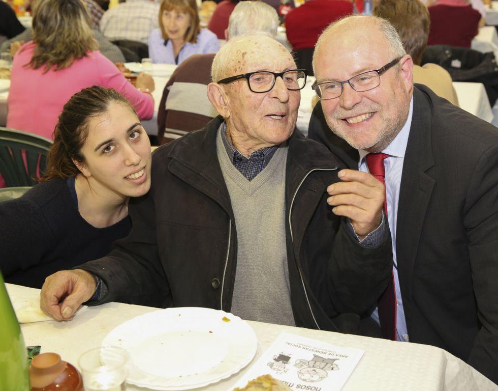 La 42ª. cena contra el cáncer de Carballo reunió el sábado a medio millar de comensales