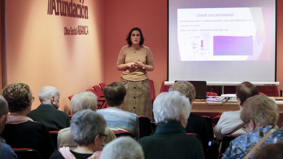 Actividad sobre el párkinson en un Espazo +60 de Afundación en Lugo