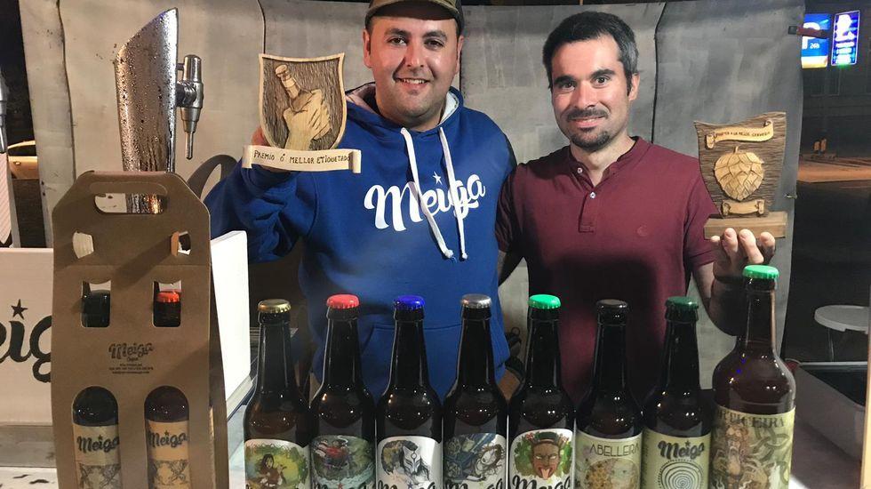 Búscate en la inauguración de la vinoteca Noray.Algunas de las marcas gallegas que han espaciado los caracteres de sus nombres