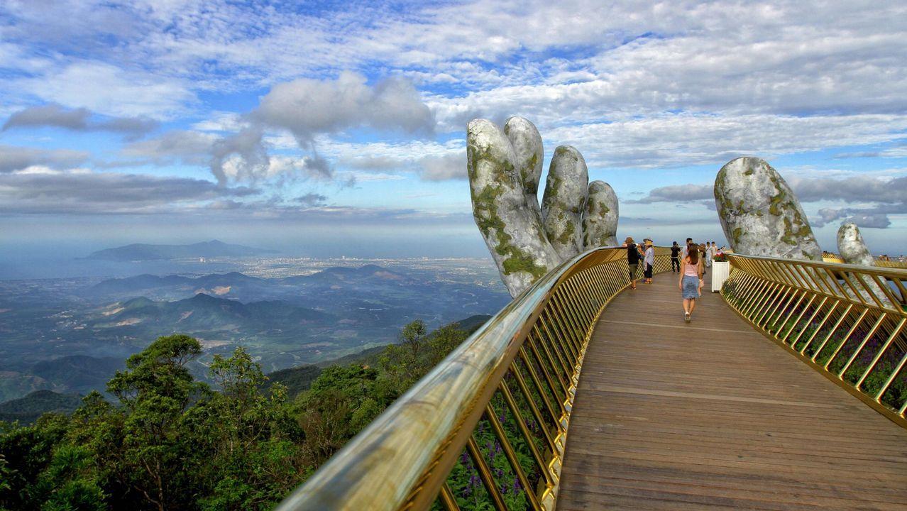 Así es el increíble puente dorado de Vietnam.El senador estadounidense John Mccain, fallecido
