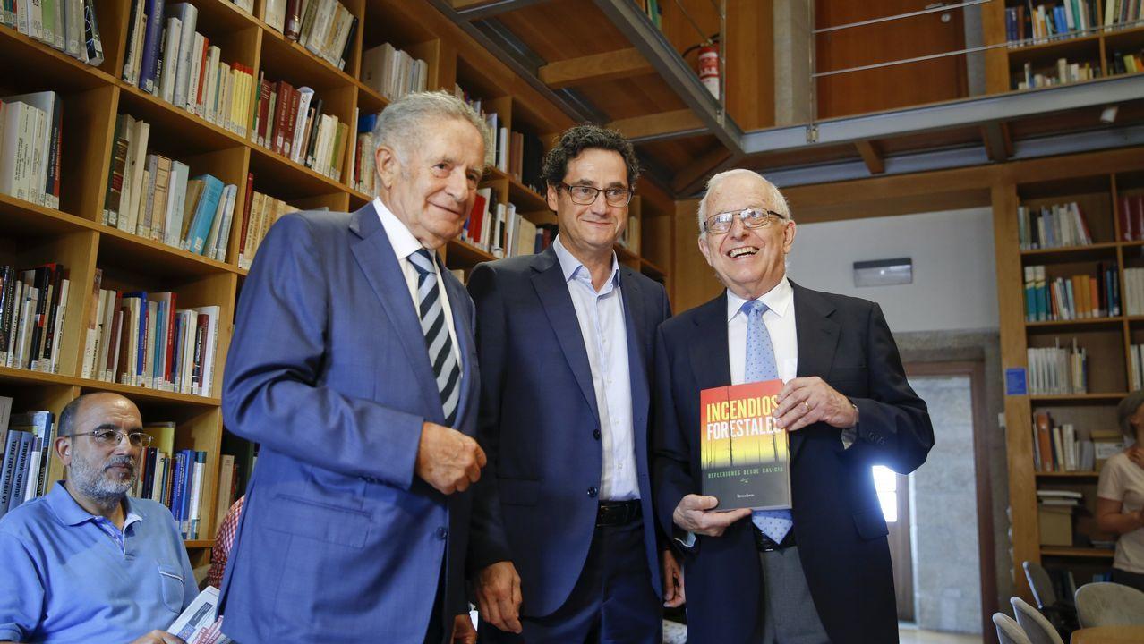 De izquierda a derecha, Rodríguez Iglesias, Tomás Fernández-Couto y Francisco Díaz-Fierros