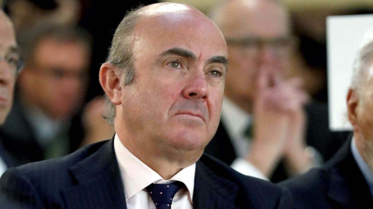 El gobernador del Banco de España advierte «problemas serios» en las pensiones.Hernández de Cos será el responsable del Banco de España a partir del 11 de junio cuando expira el mandato de Linde