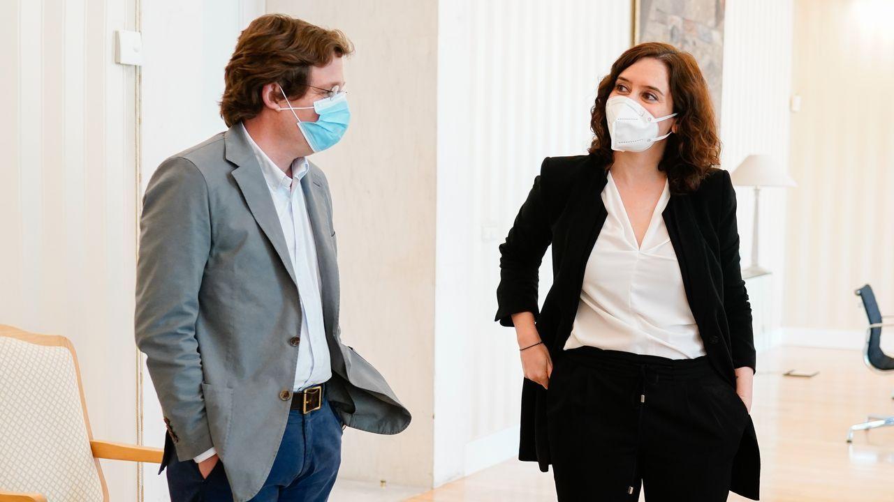 Díaz Ayuso y Martínez-Almeida, antes de la reunión para abordar el proceso de desescalada ante el covid-19