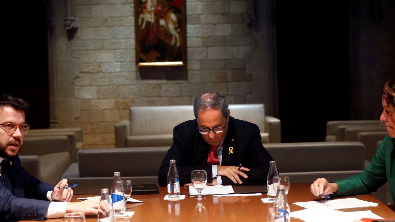 Torra, meditabundo, durante una reunión con Aragonés, el vigilante del legado de Junqueras