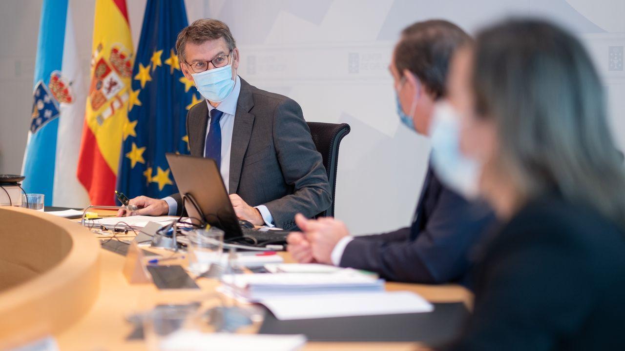 Feijoo, ayer, durante la reunión del Consello de la Xunta donde se aprobó el convenio
