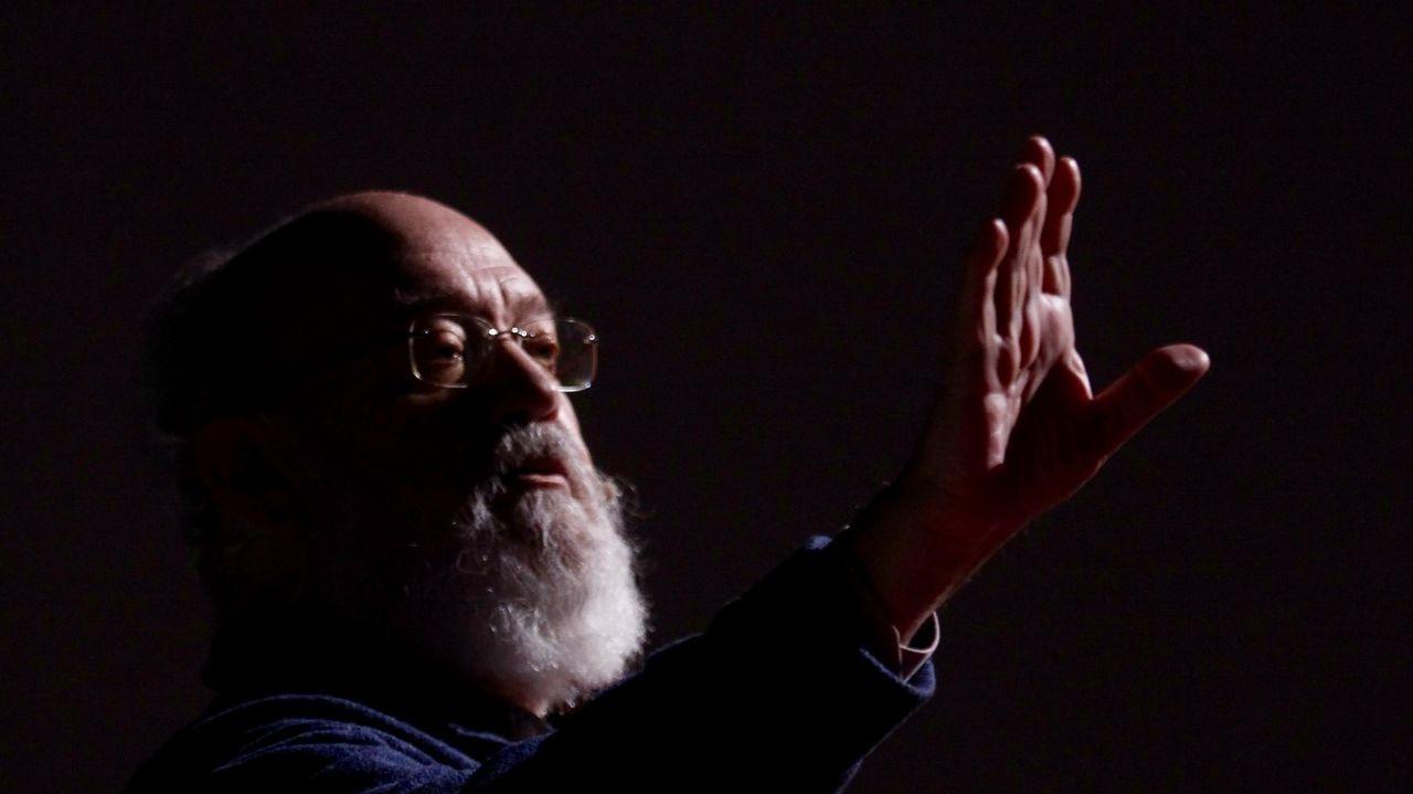 Miguel Bosé: «No sé qué pasa siempre en Galicia pero es punto y aparte».Inauguración de la Feria del Libro