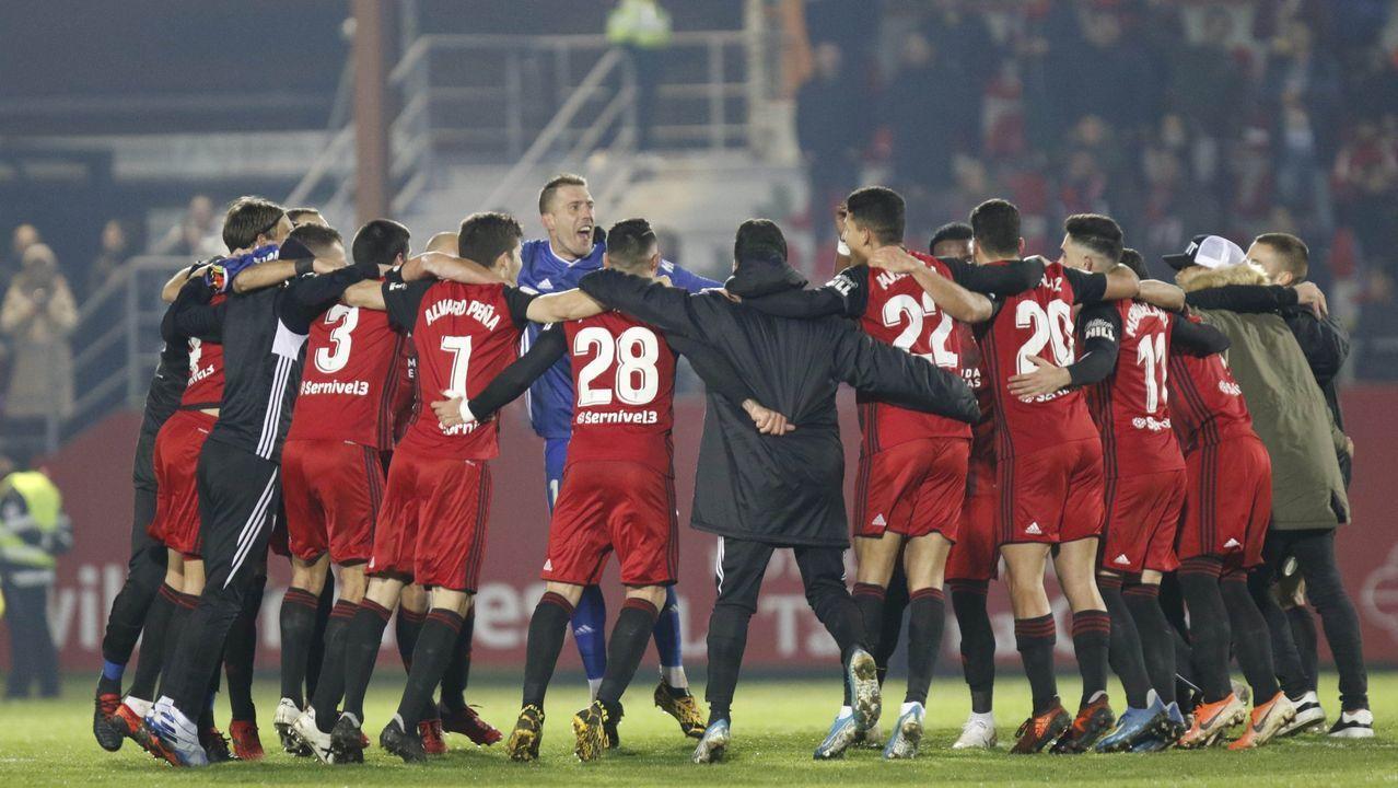 Rueda de prensa Víctor Mollejo.Los jugadores del Oviedo celebran el gol de Ortuño a Las Palmas