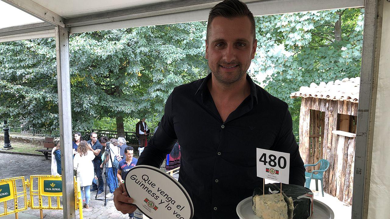 El Llagar de Colloto se lleva el mejor queso Cabrales del año 2019 por 20.500 euros