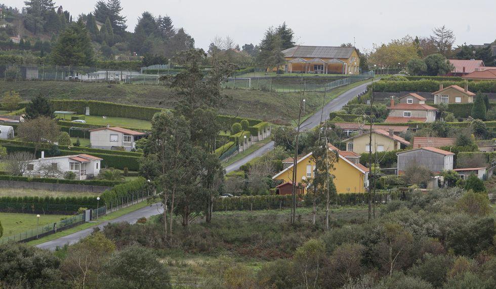 Vilariño tocando con Millo Verde.El complejo residencial suma 598 propietarios.