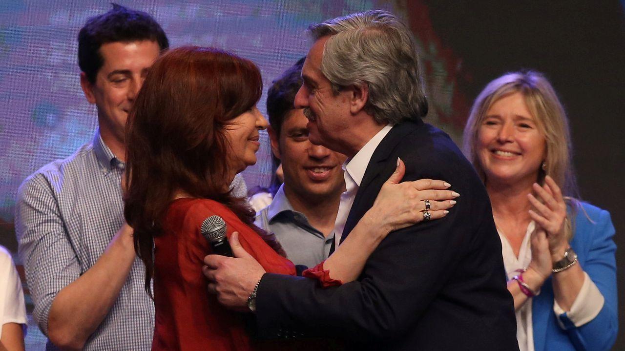 Ramón Rodríguez, en octubre del 2015, junto a la presidenta de la plataforma, Paqui Vazquez