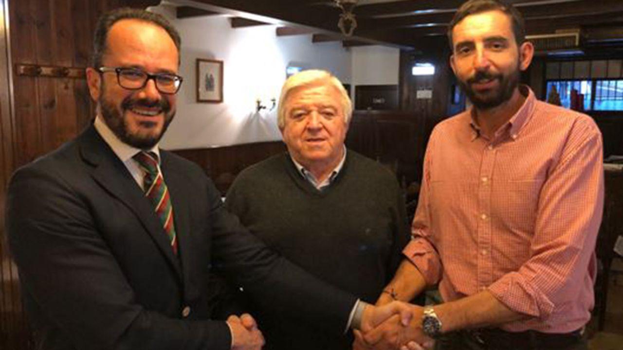 Rodolfo Espina, Ignacio Blanco y Sergio Marqués, miembro de Voz Asturias