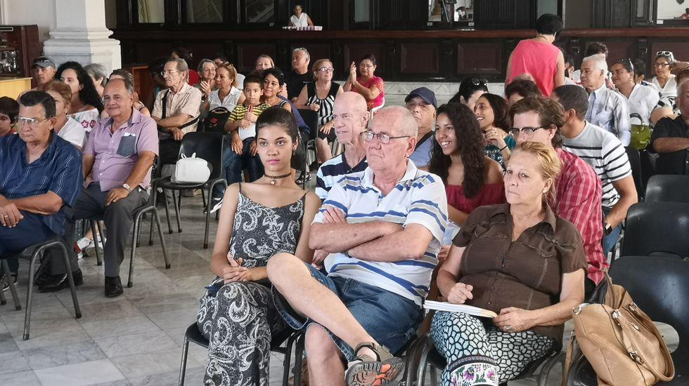 La comparecencia de Pedro Sánchez desde la Habana, en directo.Médicos cubanos en una imagen de archivo