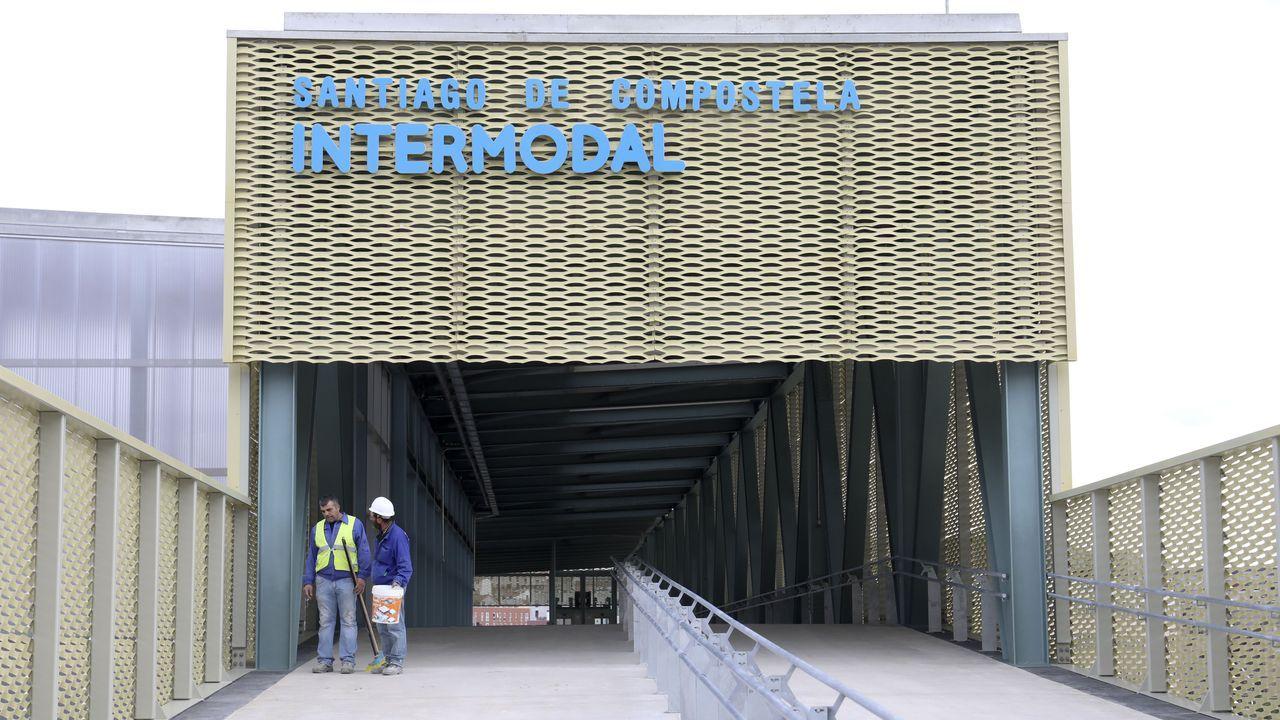 La intermodal de Santiago ya está lista para su arranque.Túnel dañado en la línea de tren a su paso por el tramo entre Trubia y Caces (Oviedo)