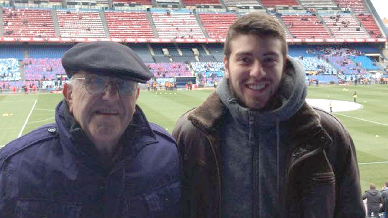Raúl Fernández (a la derecha) junto con su padre, de origen asturiano