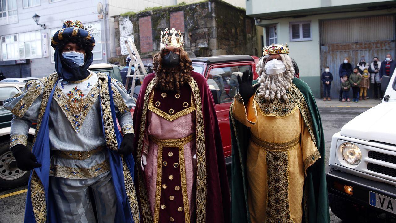 ¡Mira el recorrido que hicieron los Reyes Magospor los municipios de Barbanza, Muros y Noia!