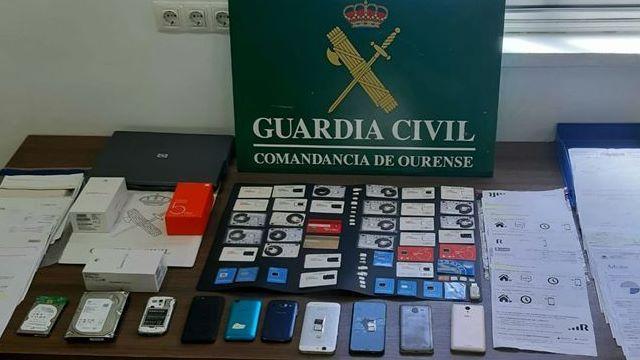 Comisaría de la Policía Nacional en Gijón.Agentes de la Policía Nacional en Monforte, en una foto de archivo