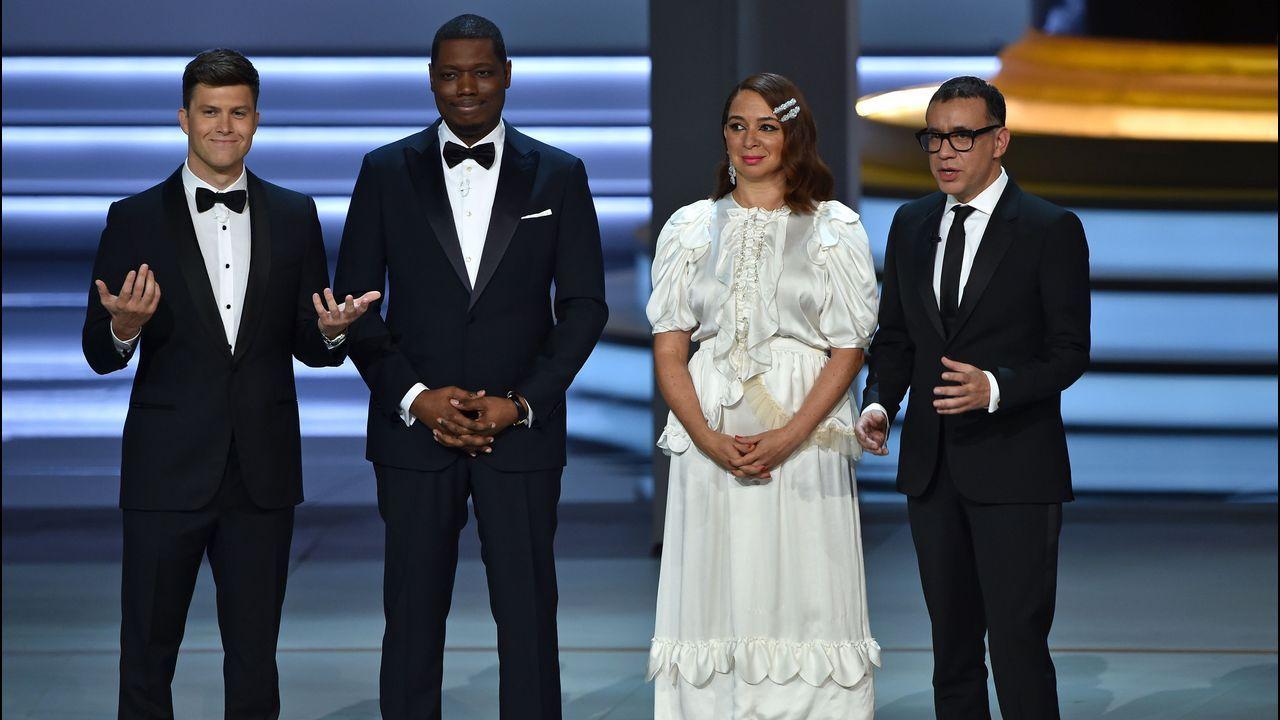 Emmy 2018: Colin Jost, Michael Che, Maya Rudolph, y Fred Armisen