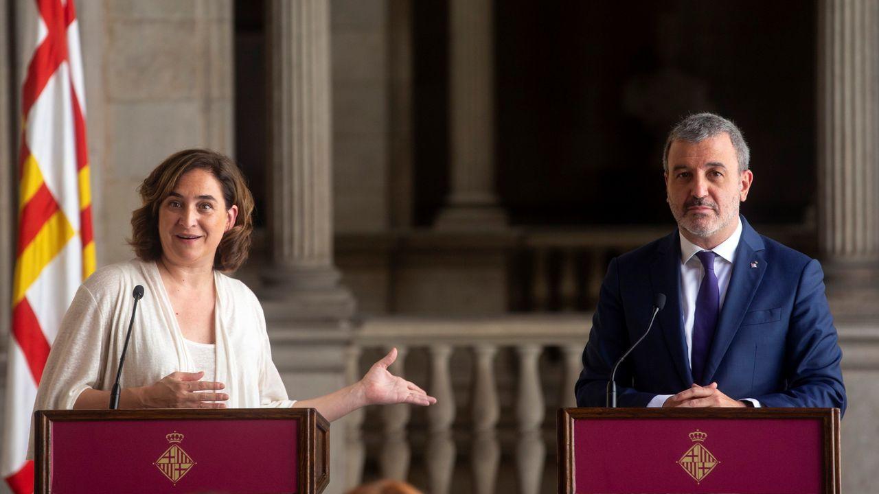 Colau y Collbon durante la presentación en Barcelona del acuerdo