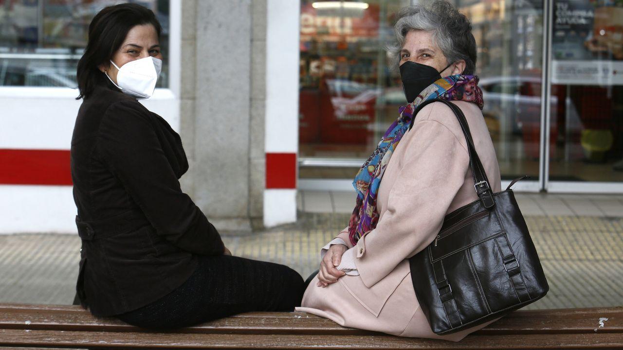 Viyet y Rosa aseguran que han llamado decenas de veces al Sergas por la vacuna para sus madres