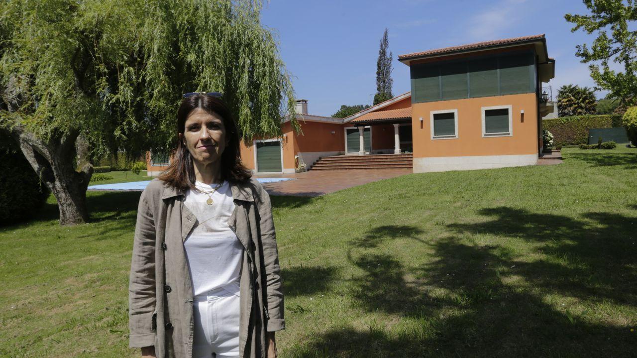 Isabel Arias, de housingcoruña, en una de las propiedades que gestionan en el área de A Coruña