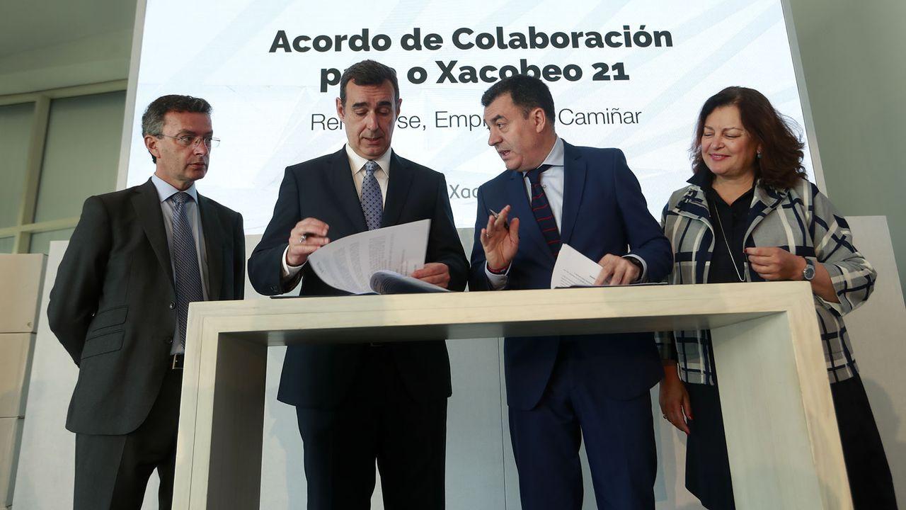Villares y sus diputados se van al grupo mixto.Feijoo, en una reunión de la dirección del PPdeG