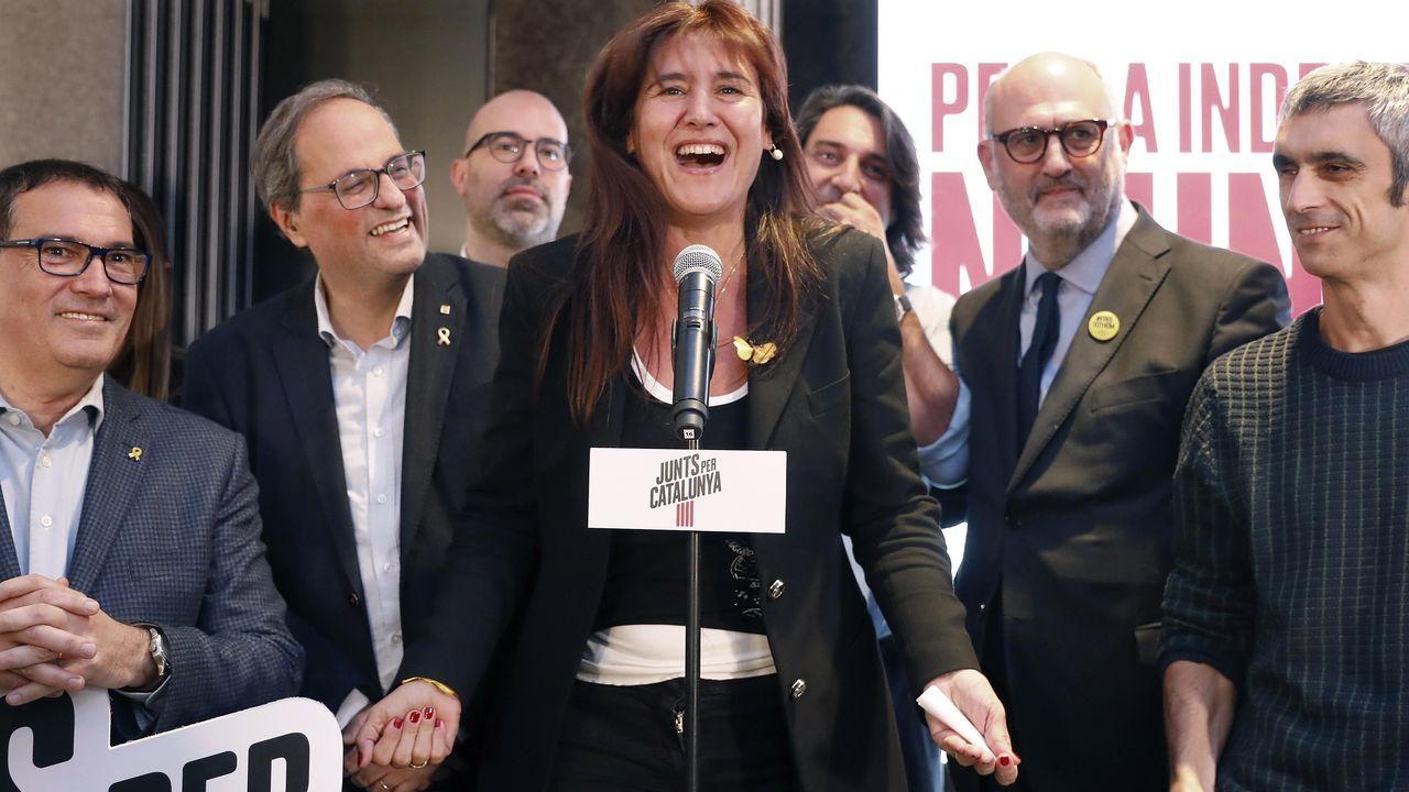 La cabeza de lista de Junts per Catalunya, Laura Borrás, celebra junto al presidente de la Generalitat, Quim Torra