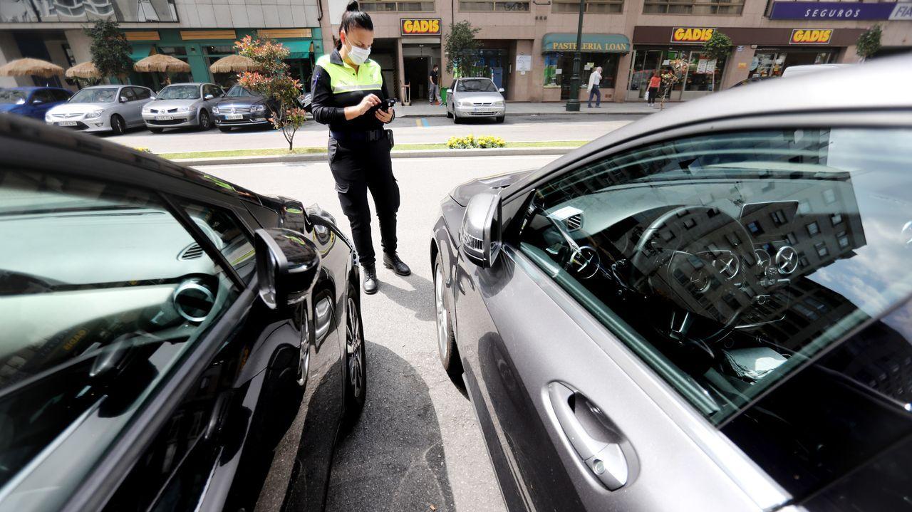 Menos velocidad al adelantar. El borrador la DGT propone que los vehículos reduzcan la velocidad cuando adelanten a ciclistas, además de mantener la separación lateral de metro y medio