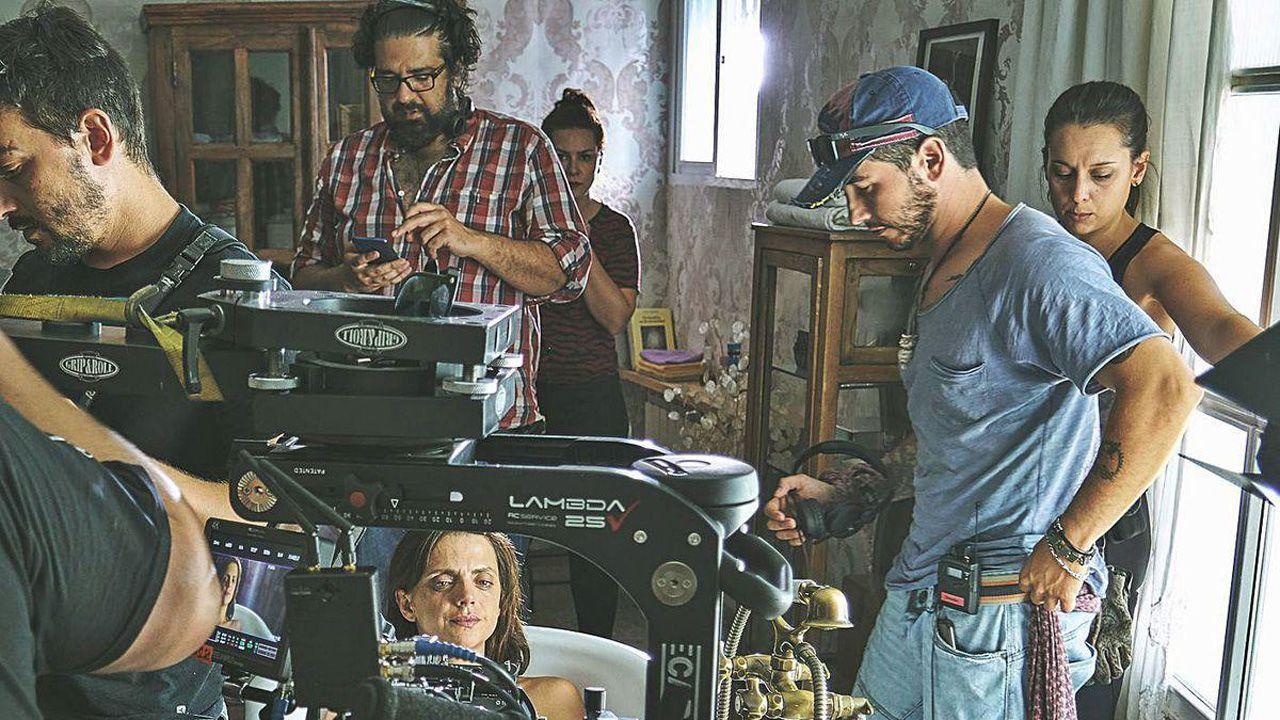 El director JK Álvarez y Macarena Gómez, en el rodaje del cortometraje 'Quiero contarte algo'