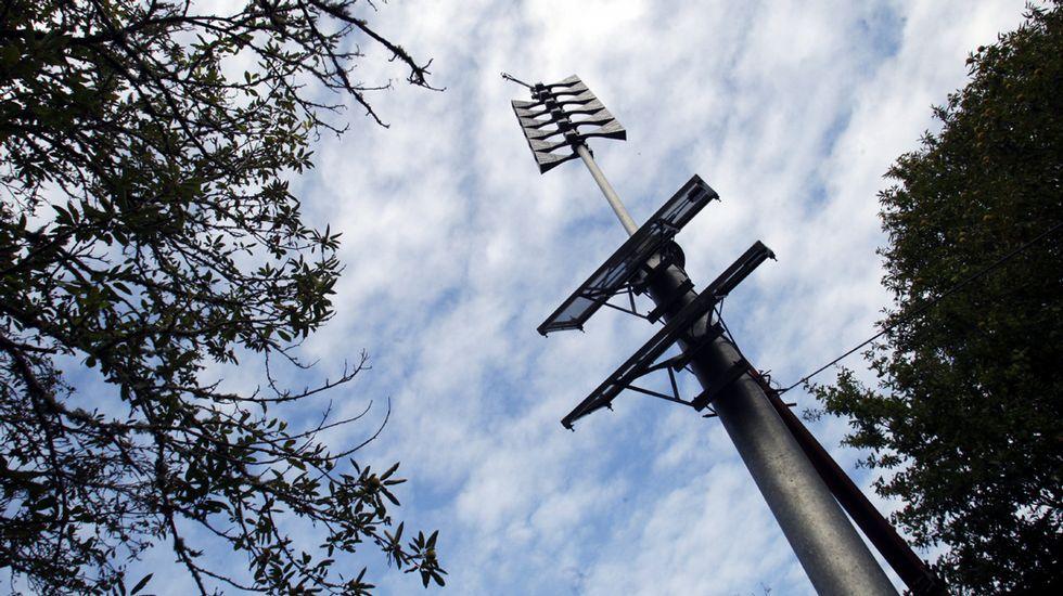 Un recorrido visual por los miradores de Pena do Castelo y O Duque.Sirenas de aviso de emergencias instaladas hace unos meses en las orillas del Miño en el embalse de Os Peares