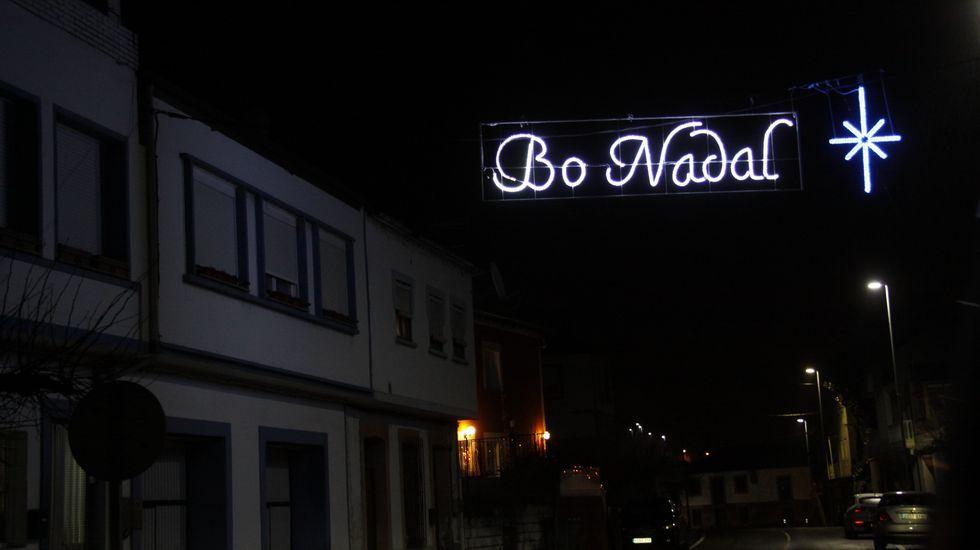 NAVIDAD EN CELANOVA.Iluminación navideña en Petín
