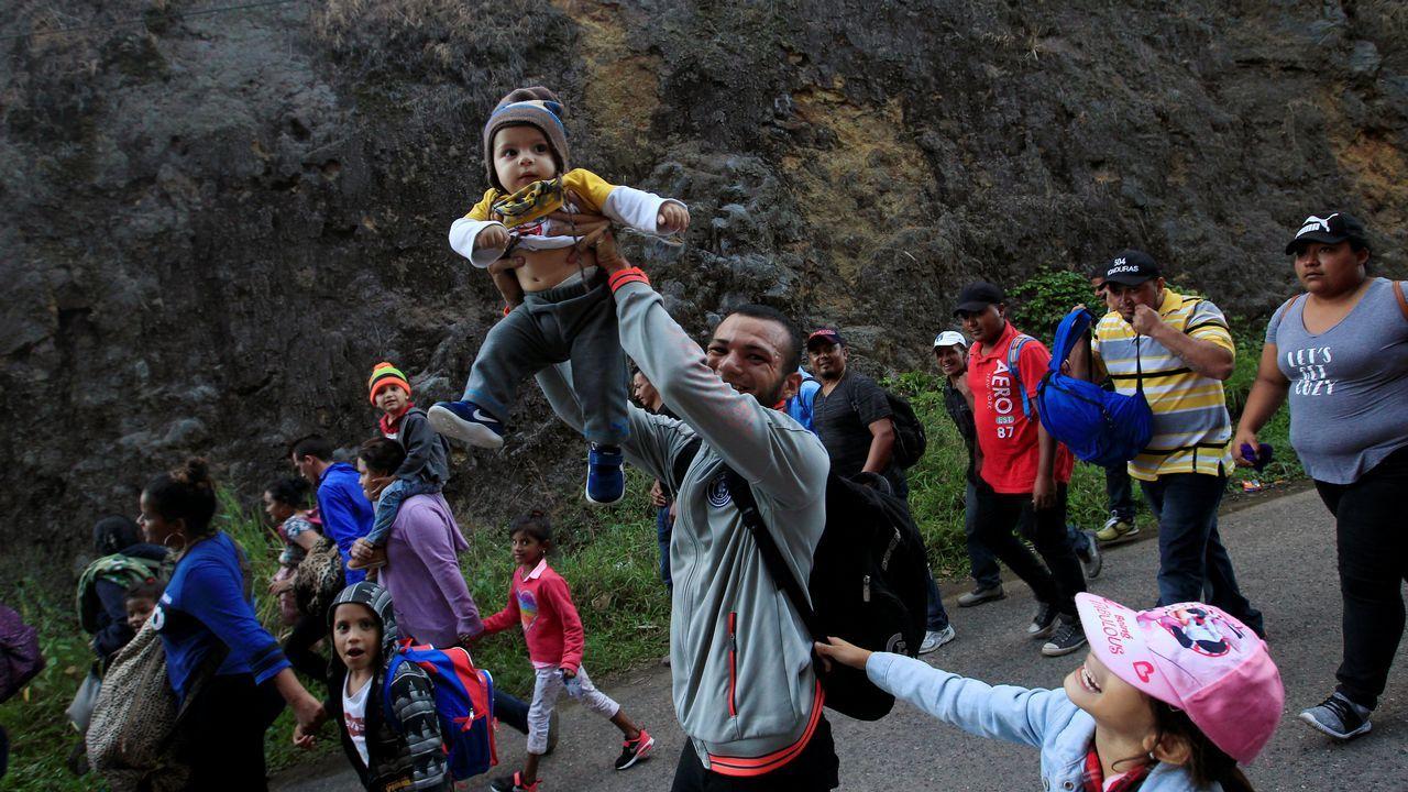 Nueva caravana de migrantes de Honduras a Estados Unidos.Rescate de 126 personas llegadas en dos pateras frente a las costas de Cádiz