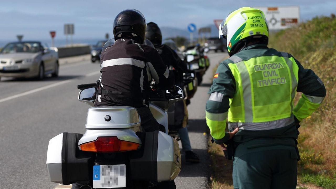 Así fue la procesión motorizada del San Cristovo en Carballo.Imagen de un accidente de moto ocurrido en junio de este año en Santiago