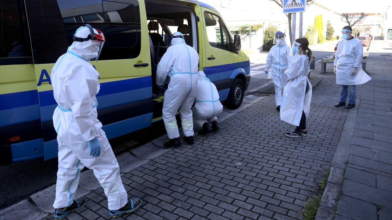 En el Hospital Público da Mariña, en Burela, se realizan estos días casi continuamente pruebas de coronavirus