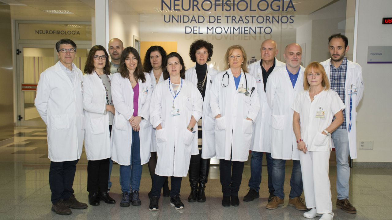 El equipo de la Unidad Multidisciplinar Funcional para la Cirugía de los Trastornos del Movimiento del Hospital Universitario Central de Asturias (HUCA)