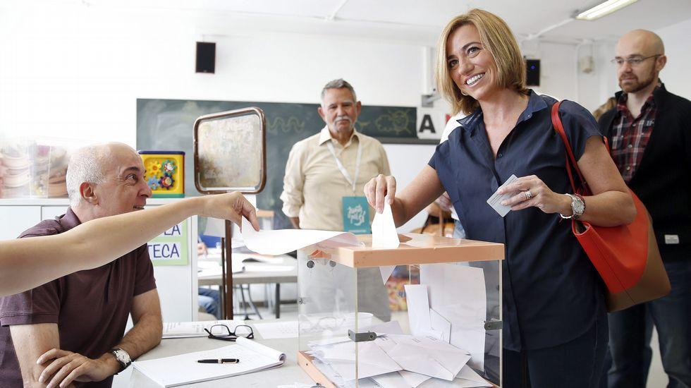 La dirigiente socialista Carme Chacón, en el momento de la votación.