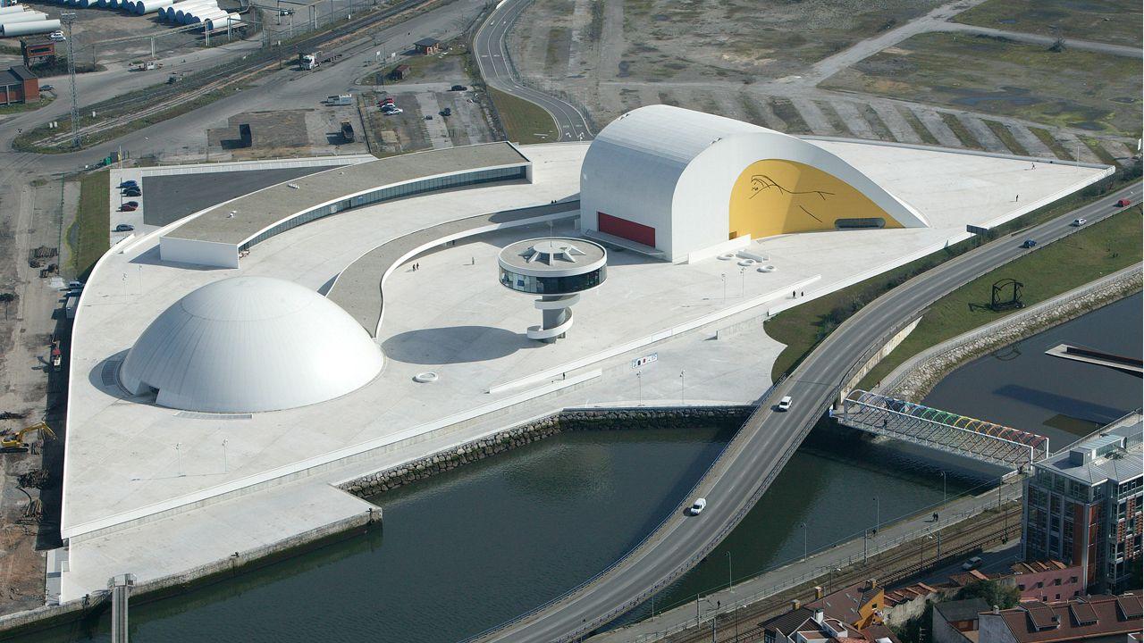 Obras en la variante de Pajares.Centro Niemeyer