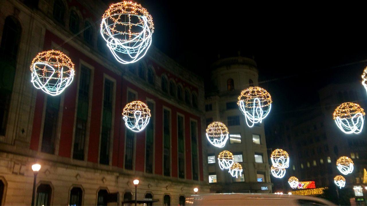 Las esferas navideñas de la plaza del Carmen
