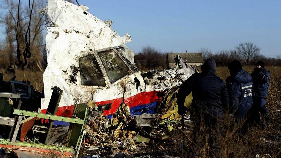 alvedro.Restos del vuelo MH17 que fue derribado por un misil en Ucrania