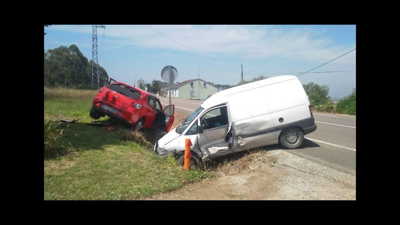 Así quedaron los dos vehículos tras el accidente
