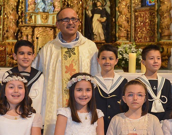 Carlos Miranda Trevín, cos nenos ribadenses hai uns días.
