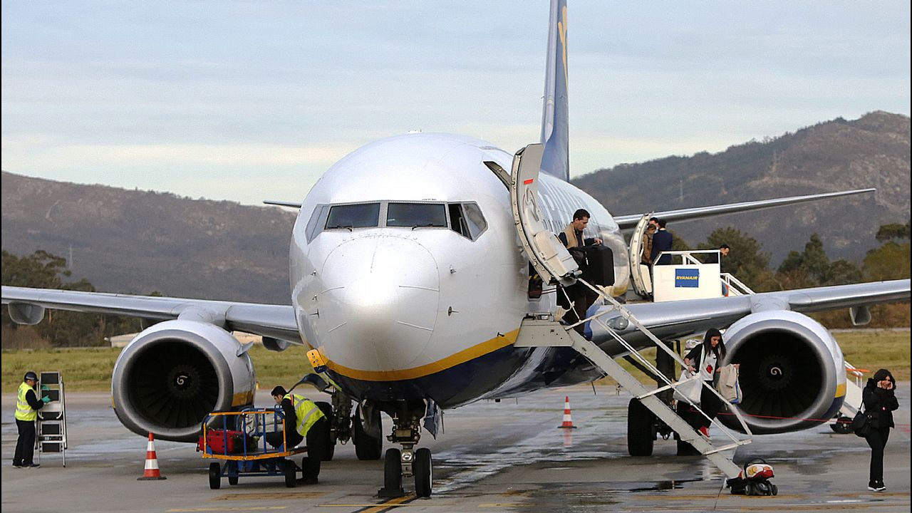 Avería de un avión en Alvedro.Aeropuerto de Asturias