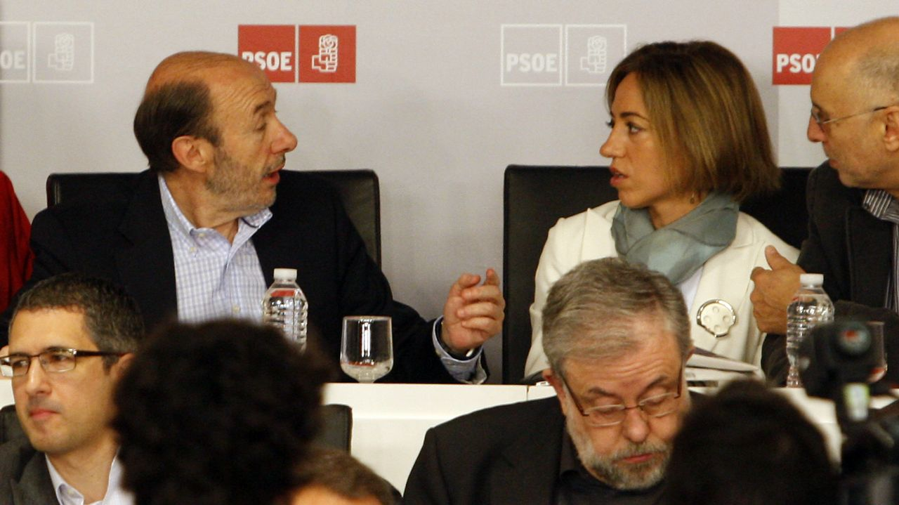 Junto a Carme Chacón en el congreso del PSOE en el que Zapatero anunció que no se presentaría a la reelección
